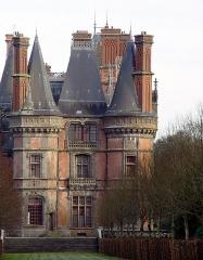 Ancien pavillon de chasse de Moniven - Deutsch:   Saint-Goazec (Bretagne, Finistère) Château de Trévarez, façade ouest.