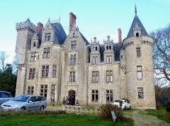 Château de Pérennou - Français:   Plomelin: le château de Pérennou sur la rive droite de l\'Odet