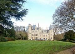 Château de Pérennou - Français:   Le château du Perennou en Plomelin sur la rive droite de l\'Odet