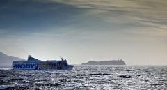 Maison Philippe de Rocca Serra - Ersa (Corse) - Ferry Moby Wonder au large de la Giraglia