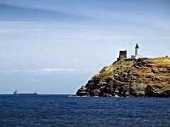 Chapelle de la Trinité - Ersa, Cap Corse (Corse) - Tour génoise et phare de la Giraglia