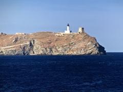 Chapelle de la Trinité - Ersa (Corse) - Phare et tour génoise de l'île de la Giraglia