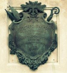 Statue du cardinal Fesch - Français:   Cardinal Joseph Fesch  Sculpteur: Gabriel-Vital Dubray  Cour du Palais Fesch  Ajaccio, Corse-du-Sud