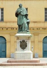 Statue du cardinal Fesch - Deutsch:   Fesch-Denkmal in Ajaccio