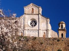 Statue du général Abbatucci - Corbara - Fronton du couvent Saint-Dominique
