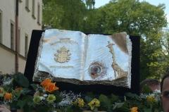Eglise ou oratoire Saint-Roch -  Tradycyjna Procesja ku czci św. Stanisława z Wawelu na Skałkę. Relikwiarz zawierający krew Jana Pawła II