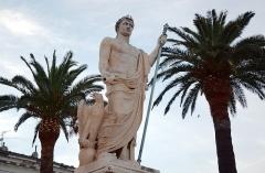 Monument commémoratif de Napoléon Ier - Русский: Памятник на площади Святого Николая в Бастии.