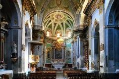 Eglise paroissiale Notre-Dame-de-l'Annonciation (Santa-Maria-Assunta) -  Muro, Balagne (Haute-Corse) - Intérieur de l'église paroissiale de la Santissima Annunziata, construite au milieu du 17e siècle, et reconstruite au 19e siècle après l'effondrement de la coupole survenu le 4 mars 1778 pendant l'office des Cendres, faisant 60 morts. Quoique non classée, l'église renferme 9 œuvres remarquables, toutes classées au titre des Monuments historiques: autel et maître-autel, ainsi que 7 tableaux.