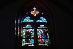 Eglise paroissiale Saint-Saturnin - Deutsch: Bleiglasfenster in der Kirche Saint Saturnin in Pont-Saint-Esprit, Darstellung: hl. Regis