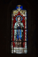 Café Le Napoléon, ancien café de Paris - English:  The Blessed Viin, stained glass window of the apse, signed by the glassmaker P. Martin from Avignon.