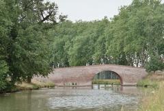 Canal du Midi : Pont de Deyme (également sur commune de Pompertuzat) - English: Canal du Midi, near Toulouse.