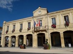 Halle-mairie - Français:   La mairie de Boulogne-sur-Gesse en 2018.