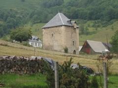 Tour - English: Mayrègne tower, Haute-Garonne, Pyrénées, France.