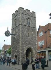 Château - Deutsch: Canterbury - Turm der St. George's Church, in der Marlowe getauft wurde