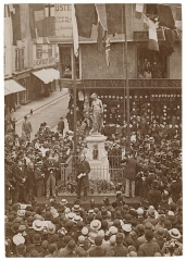 Château -  Henry Irving unveiling the Marlowe Memorial in Buttermarket, Canterbury, England, on 16 September 1891 (some sources say 16 December 1891)