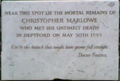 Château - English: Christopher Marlowe's memorial IN the Churchyard at St Nicholas, Deptford