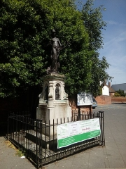 Château - English: Statue in memory of Christopher Marlowe near the Marlow Theater in Canterbury