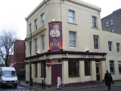 Château - English: The Rose, The Borough, Southwark, SE1. The text on the pub sign, which has been partly obscured by the paint flaking, reads
