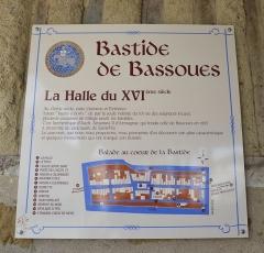 Halle - Français:   Halles de Bassoues, dans le Gers