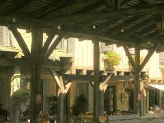 Halle -  Bassoues (Gers, France), la halle