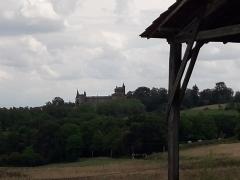 Château - Français:   Le château de Saint-Blancard vu depuis les hauteurs de la commune en juillet 2018.