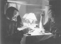 Immeuble - English: Photograph of the Finnish authors Paavo Haavikko (1931–2008) and Marja-Liisa Vartio (1924–1966)