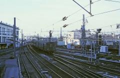 Pont ferroviaire Saint-Jean, habituellement désigné sous le nom de passerelle Eiffel - English: EMU class Z 4100 with driver coach ahead arriving in Bordeaux-Saint-Jean station in 1979