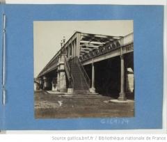 Pont ferroviaire Saint-Jean, habituellement désigné sous le nom de passerelle Eiffel - English: The railway bridge named passerelle Eiffel in Bordeaux (Gironde, France).