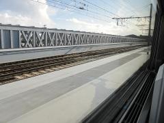 Pont ferroviaire Saint-Jean, habituellement désigné sous le nom de passerelle Eiffel - English: The historical train iron bridge (Passerelle Eiffel) over the Garonne river in Bordeaux (Gironde, France), built by Eiffel, is now doubled by a modern bridge for trains riding, including TGV's.