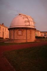 """Observatoire aquitain des sciences de l'univers -  Picture of the """"Équatorial photographique"""" telescope dome at the Bordeaux observatory. Copyright © 2006 Med"""