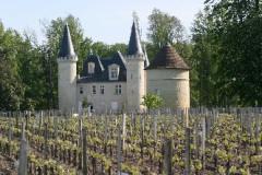 Château d'Agassac - English: leaf removal