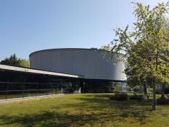 Faculté de médecine et de pharmacie - Español: Vista exterior de la Biblioteca Robert Étienne, en la Maison de l'archéologie de la Université Bordeaux Montaigne, en Burdeos (Francia).