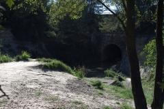 Tunnel-aqueduc de drainage de l'étang de Colombiers et Montady ou tunnel des Moines ou Aqueduc de Montady ou Aqueduc de Malpas - Français:   Le Canal du Midi à Colombiers, Hérault, France