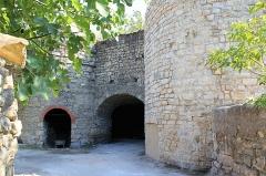 Ancienne usine de chaux - Français:   Four à chaux de la Tour sur Orb
