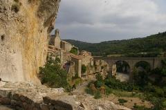 Citadelle -  Pont sur la Cesse et village de Minerve (Département Hérault)