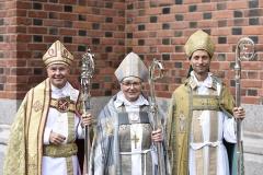 Malouinière de Rivasselou - Svenska: Svenska kyrkan har fått två nya biskopar: Johan Dalman (t.v.) för Strängnäs stift och Mikael Mogren (t.h.) för Västerås stift. Den dubbla biskopsvigningen förrättades av ärkebiskop Antje Jackelén i Uppsala domkyrka den 6 september 2015.