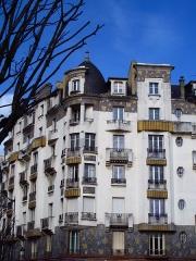Malouinière de la Rivière, à Paramé - Immeuble Art Deco: Immeuble Poirier, 7 avenue Jean Janvier, Rennes, France