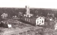 Malouinière de la Ville Azé - Eesti: Tartu Maarja kirik 1941.a. -tulevase Eesti Põllumajanduse Akadeemia (EPA) võimla asukoht ( eesti)