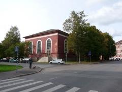 Malouinière de la Ville Azé - Eesti: Tartu Maarja kiriku (1836-1842) tagakülg, vaade üle Tiigi ja Pepleri ristmiku, 22. september 2012. Foto: Oop.