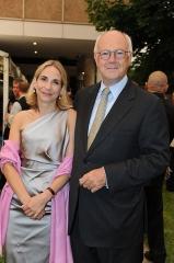 Manoir situé dans le bourg -  Dr. Leonie Uhl und Dr. Hans-Peter Uhl beim Sommerfest des US-Generalkonsulats München, 3. Juli 2012