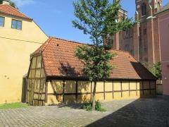 Villa Greystones - English: The rear side of the southern side wing of Rektorboligen in Roskilde, Denmark