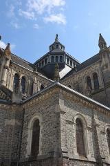 Eglise Saint-Martin - Église de Janzé (35) dédiée au Sacré-Cœur, à Saint-Pierre et Saint-Martin. Extérieur. Dôme.