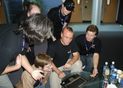 Château -  Rasmus Lerdorf (in the center) on March 23, 2007 at the OSCMS 2007 Conference at Yahoo Headquarters, talking with several developers of Joomla! between sessions.