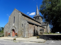 Église Notre-Dame - Français:   Église Notre-Dame d\'Hédé (35). Façade occidentale et flanc sud.
