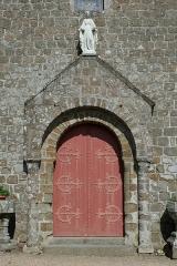 Église Notre-Dame - Français:   Hédé, Ille-et-Vilaine, Bretagne, France  Portail occidental de l\'église Notre-Dame.