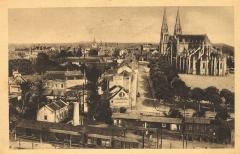 Eglise principale Saint-André - Français:   Châteauroux: Vue panoramique. Carte postale envoyée le 23 octobre 1941. Édition \