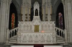 Eglise principale Saint-André - Français:   Autel de l\'église Saint-André, Châteauroux, Indre, France