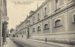 Imprimerie Mame - Français:   Imprimerie Mame, rue Néricault-Destouches