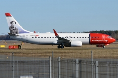 Château de la Sauge - English: Norwegian Air Shuttle Boeing 737-800 at Tallinn Airport