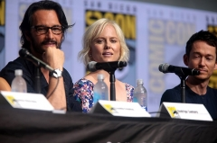Château de Chaussin -  Rodrigo Santoro and Ingrid Bolsø Berdal speaking at the 2017 San Diego Comic Con International, for